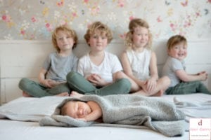 Door Danny Fotografie - New Born Fotografie aan huis bij een groot gezin 2